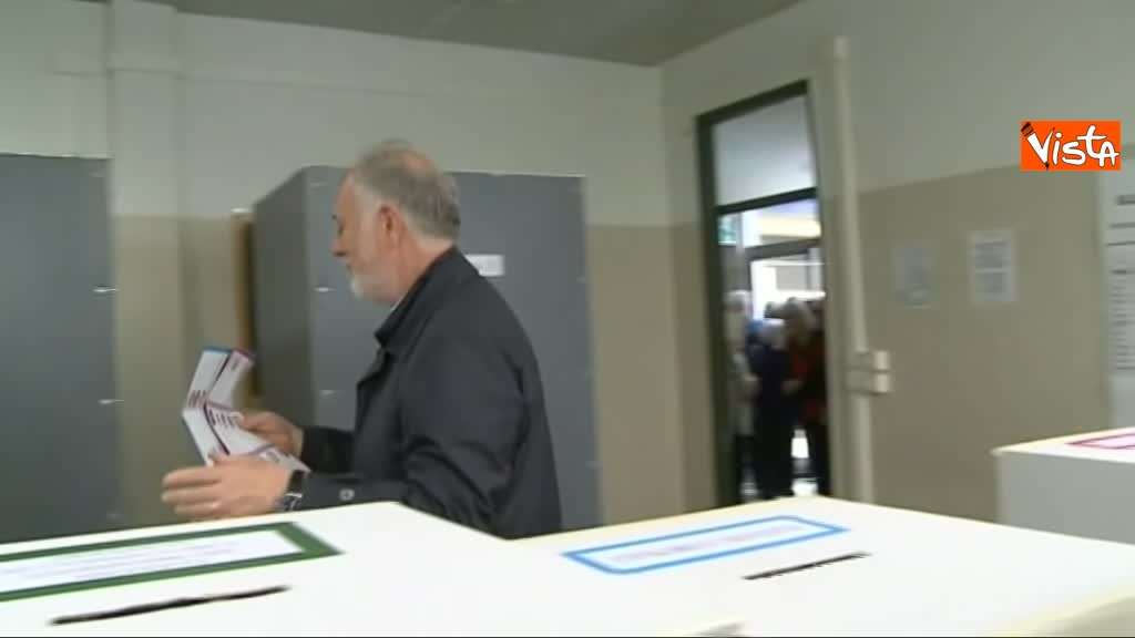 26-05-19 Comunali Firenze il voto del candidato sindaco di centrodestra Bocci_03