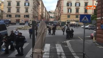 7 - Comizio Casapound a Genova, scontri tra antagonisti e polizia