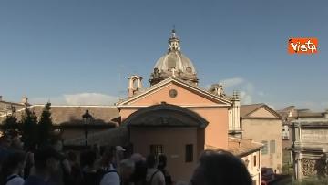 3 - Crolla tetto di una chiesa dietro al Campidoglio, le immagini dal luogo dell'incidente