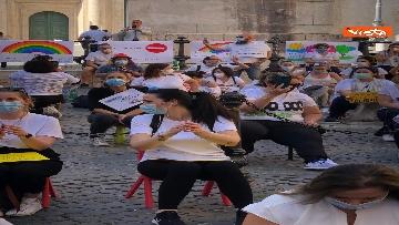 10 - Nidi privati, la protesta a Montecitorio contro il dl Rilancio