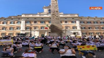 12 - Nidi privati, la protesta a Montecitorio contro il dl Rilancio
