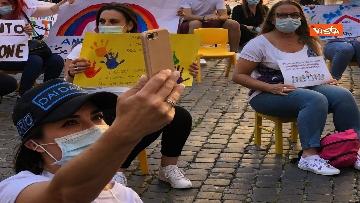 2 - Nidi privati, la protesta a Montecitorio contro il dl Rilancio