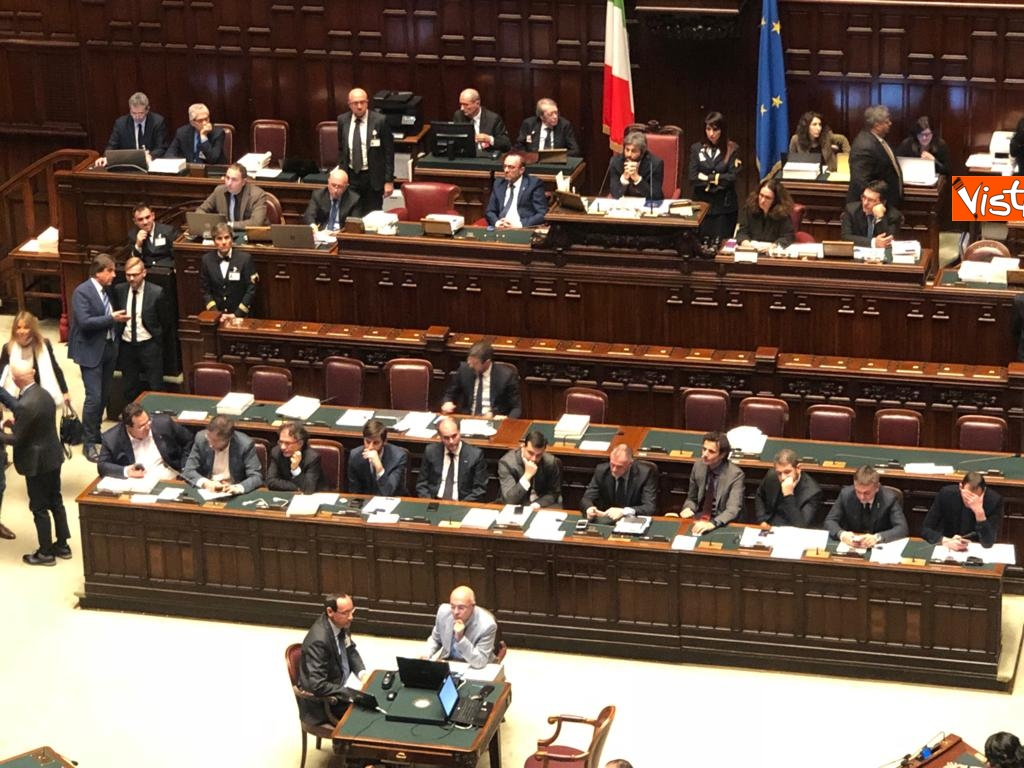 Manovra, la discussione alla Camera_03. Governo mette la fiducia