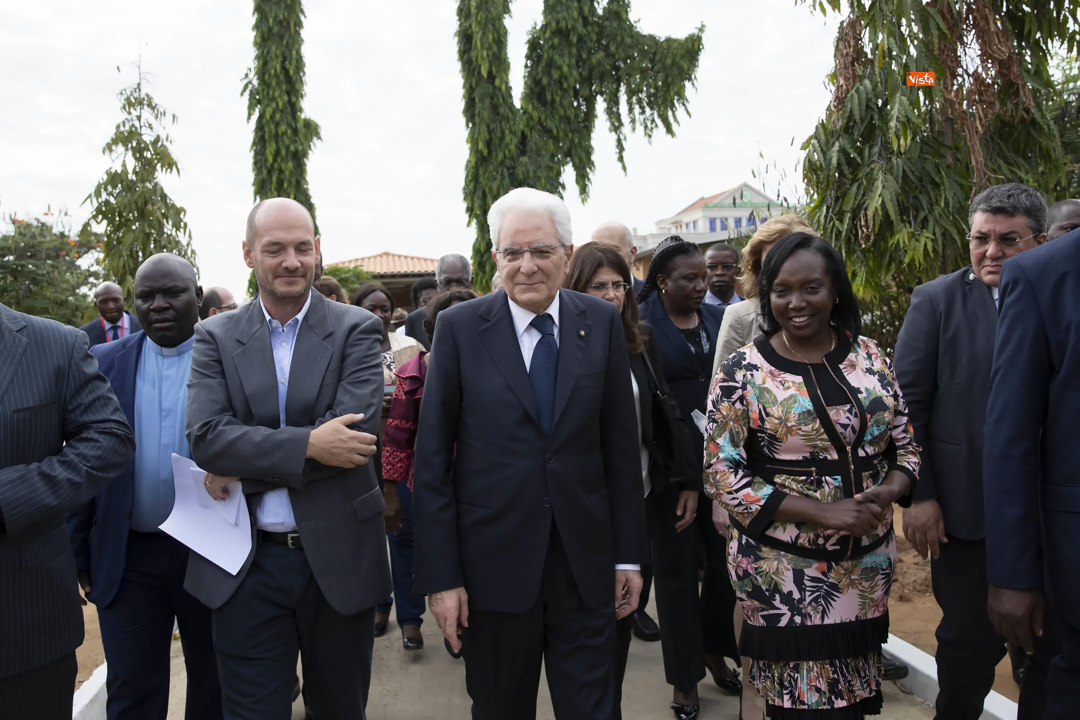 06-02-19 Mattarella in Angola visita Ospedale Divina Provvidenza
