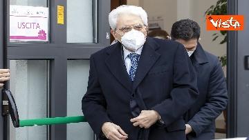 4 - Il Presidente Mattarella si è vaccinato allo Spallanzani, le immagini