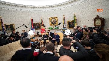8 - Mattarella con Trump nello Studio Ovale
