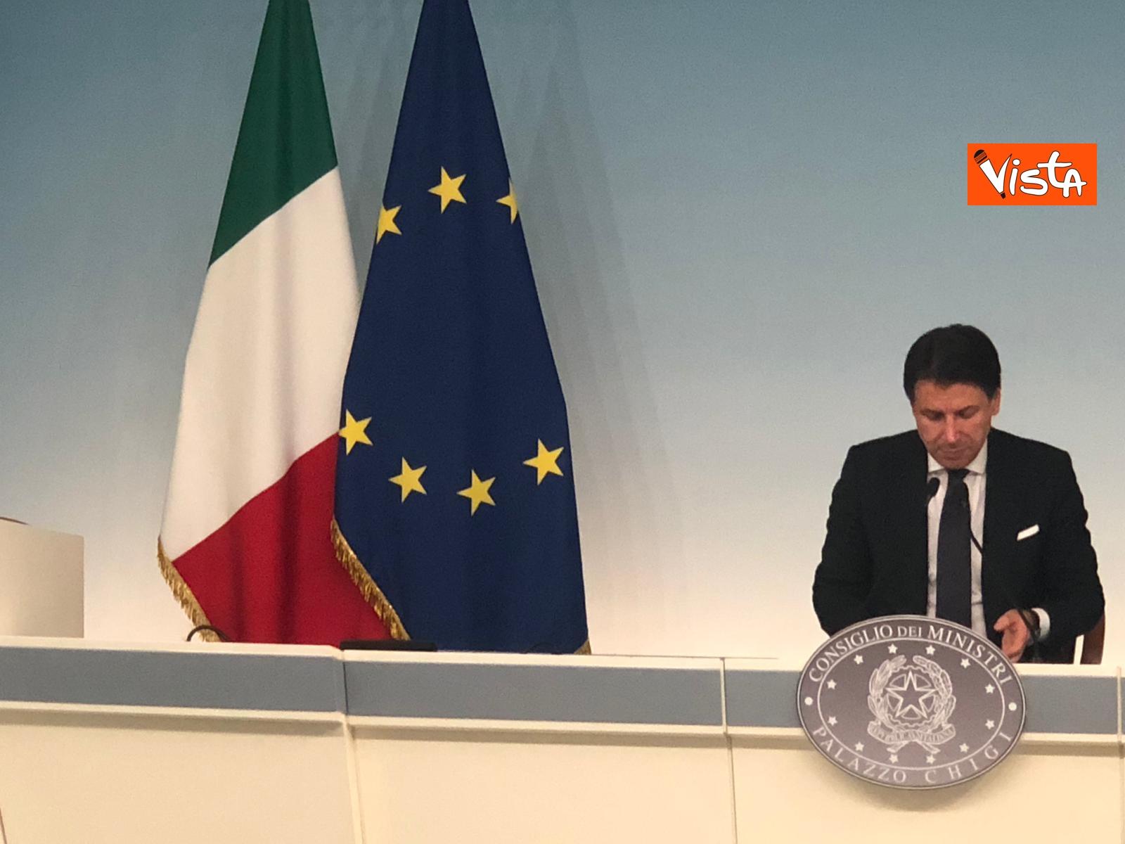 Conte e Gualtieri in conferenza stampa_05