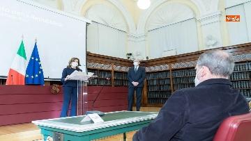 3 - L'incontro per gli auguri di Natale tra la Presidente del Senato Casellati e la stampa parlamentare