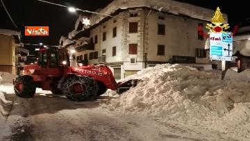 """1 - Maltempo e neve, Vigili del fuoco: """"150 interventi in 24 ore tra Veneto e Toscana"""". Le immagini"""