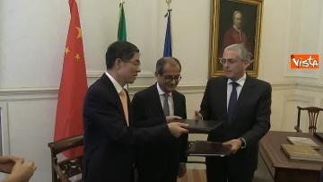 6 - Tria alla firma del Memorandum d'intesa fra le amministrazioni doganale italiana e cinese