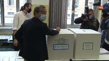 7 - Il sindaco di Milano Sala al voto per le amministrative. Le foto