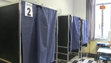 6 - Il sindaco di Milano Sala al voto per le amministrative. Le foto