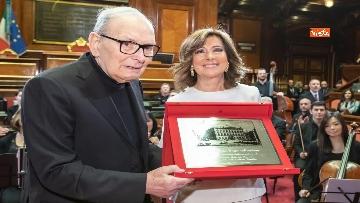 2 - Ennio Morricone premiato in Senato dalla presidente Casellati