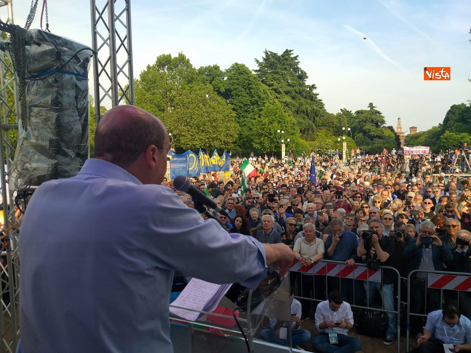 Nicola Zingaretti conclude la campagna elettorale a Milano