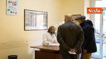 7 - Partono le vaccinazioni nelle farmacie in Liguria. Il sopralluogo del presidente Toti