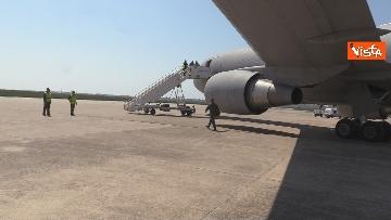 7 - In volo con il ministro Boccia e gli infermieri volontari che vanno al nord a combatter il covid
