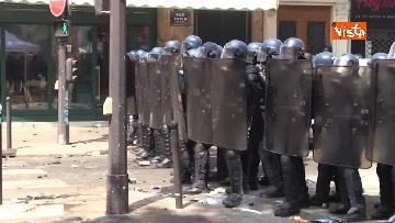 1 - Gilet gialli, 1 Maggio di scontri a Parigi