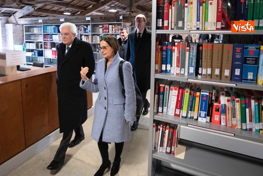 Mattarella visita la biblioteca dell'Universita' di Verona
