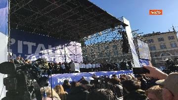 1 - Salvini interviene dal palco alla manifestazione della Lega in piazza del Popolo