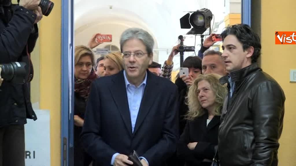 04-03-18 Gentiloni vota e si rivolge alla stampa Auguri a tutti buona giornata