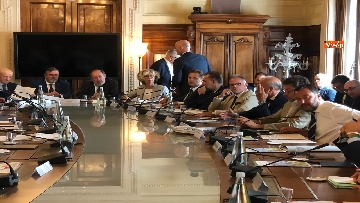 2 - Manovra, Salvini al tavolo con le parti sociali al Viminale