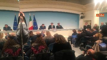 1 - Conte, Salvini e Bonafede in conferenza stampa a Chigi immagini
