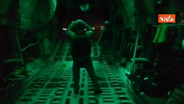 1 - Decolla l'ultimo velivolo da Kabul, conclusa la missione ventennale della Difesa in Afghanistan