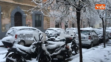 10 - La neve ricopre le strade di Roma