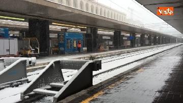 4 - La neve ricopre le strade di Roma