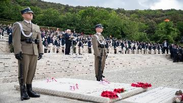 4 - Il Presidente Mattarella al 75° anniversario della battaglia di Montecassino.