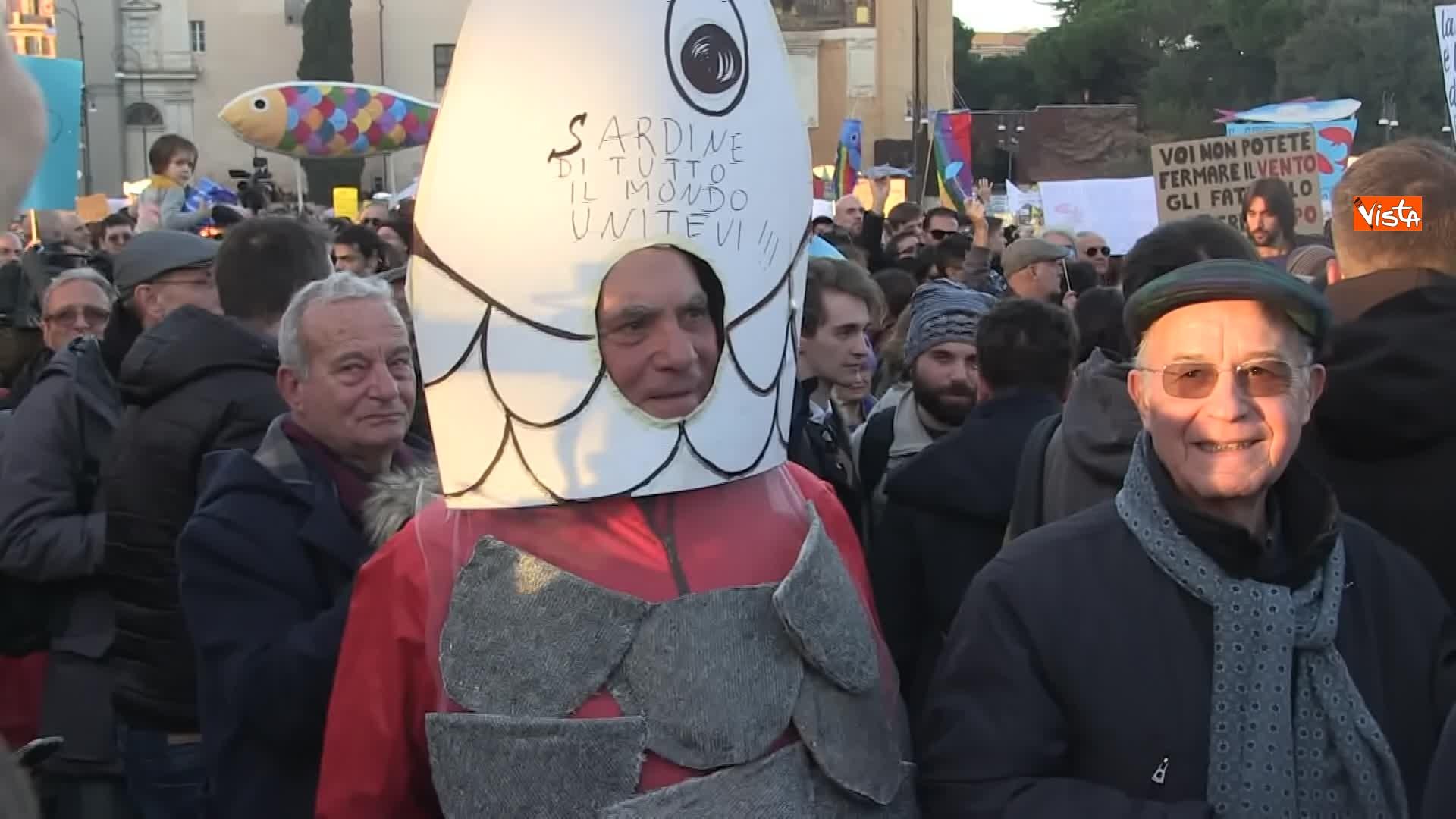 14-12-19 Le sardine riempiono piazza San Giovanni_15
