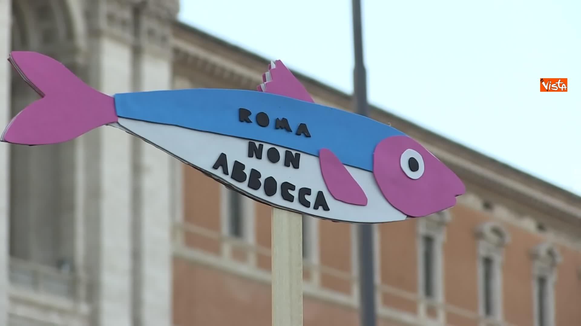 14-12-19 Le sardine riempiono piazza San Giovanni_13