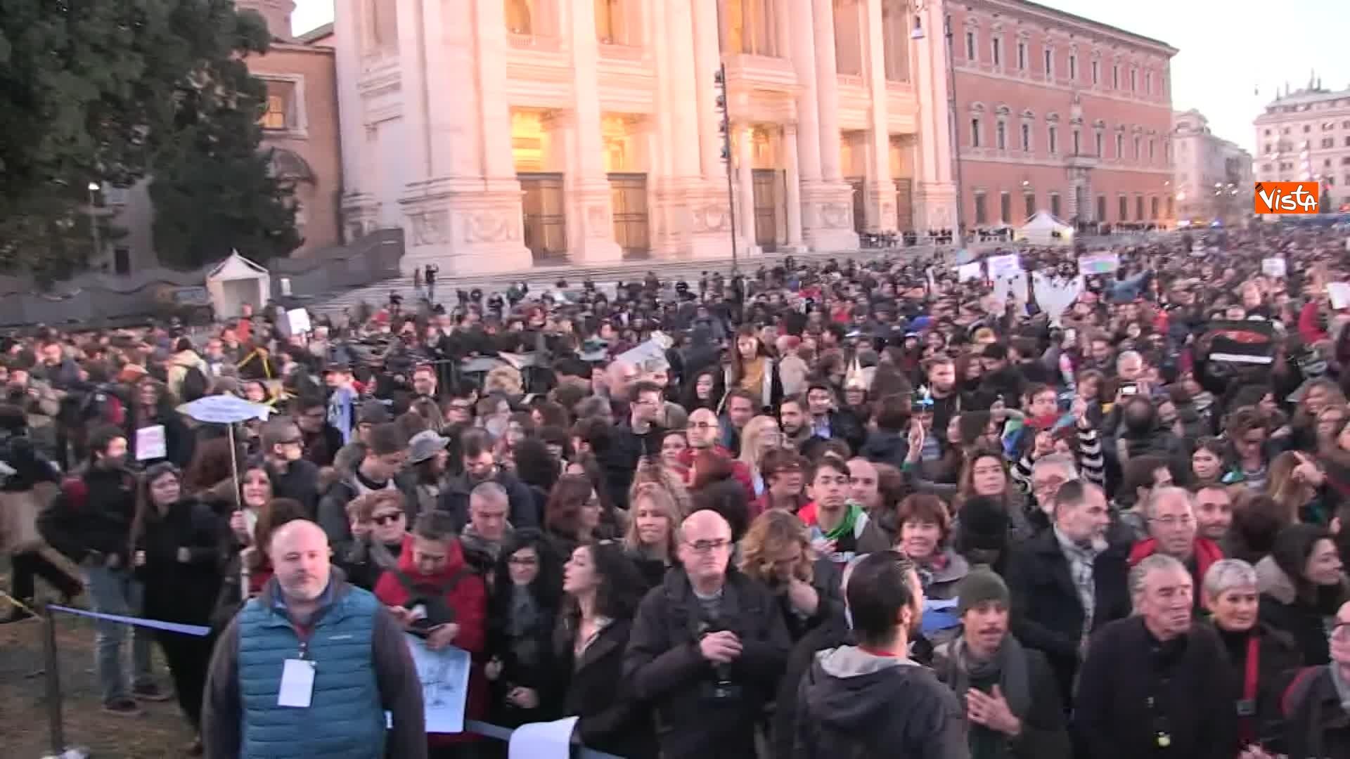 14-12-19 Le sardine riempiono piazza San Giovanni_09
