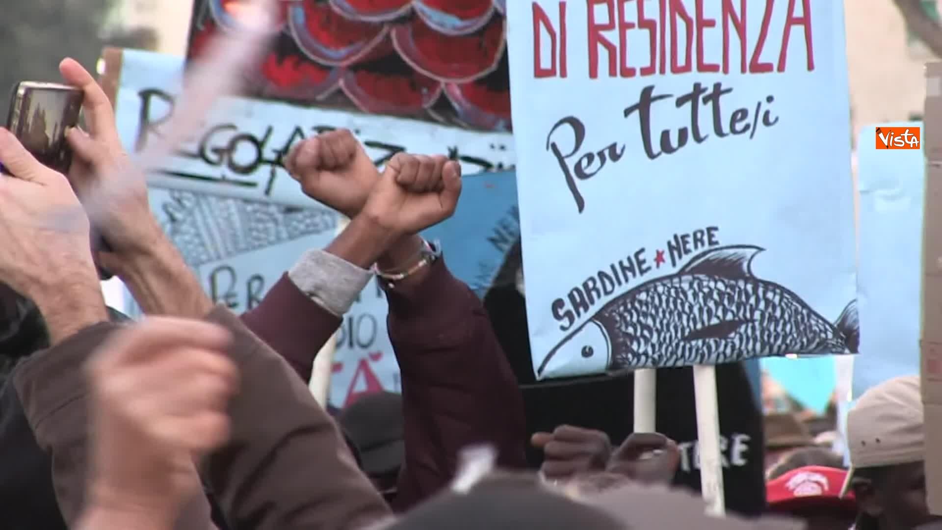 14-12-19 Le sardine riempiono piazza San Giovanni_19