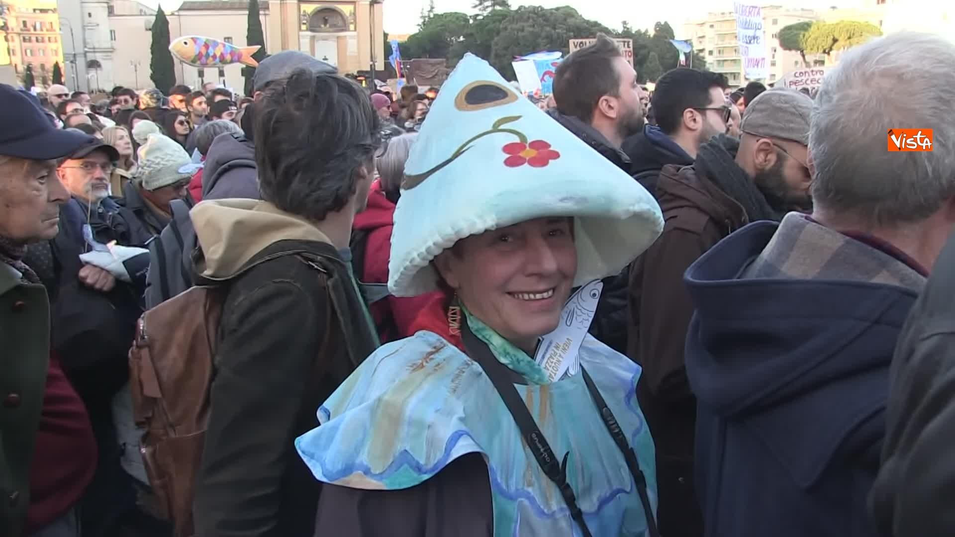 14-12-19 Le sardine riempiono piazza San Giovanni_16