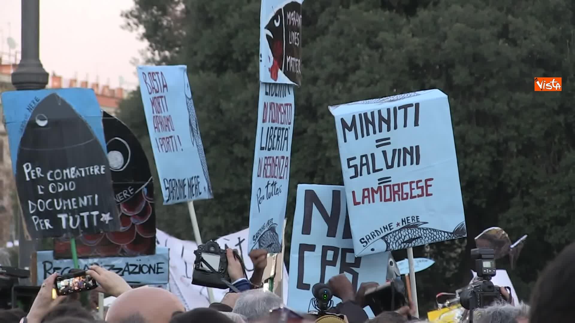 14-12-19 Le sardine riempiono piazza San Giovanni_18