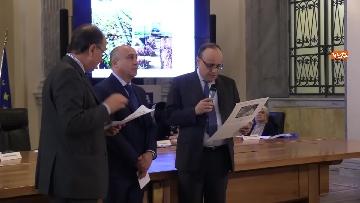 8 - Bonisoli premia vincitori progetto 'Giornata del Paesaggio' al Mibac