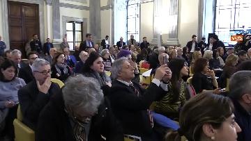 5 - Bonisoli premia vincitori progetto 'Giornata del Paesaggio' al Mibac