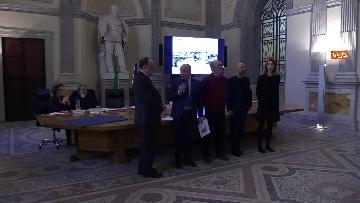 11 - Bonisoli premia vincitori progetto 'Giornata del Paesaggio' al Mibac
