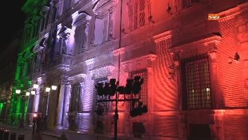 2 - Palazzo Madama illuminato con il tricolore