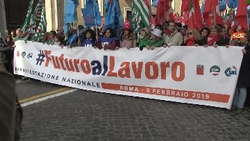 4 - Cgil, Cisl e Uil scendono in piazza a Roma