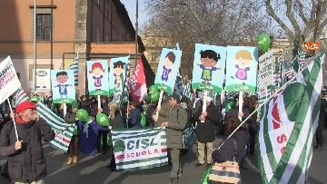 8 - Cgil, Cisl e Uil scendono in piazza a Roma