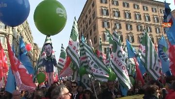 7 - Cgil, Cisl e Uil scendono in piazza a Roma