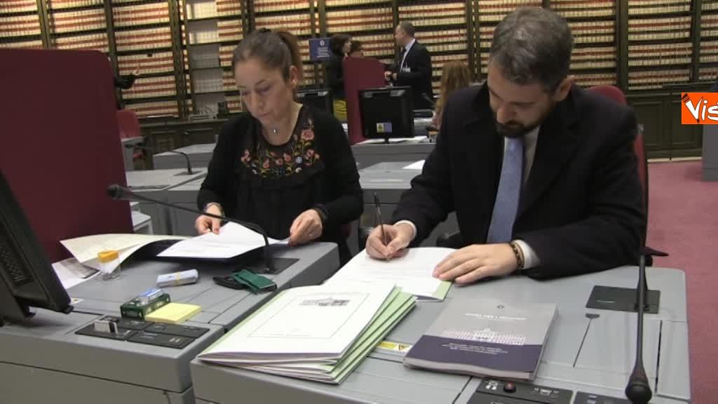 20-03-18 I nuovi deputati alle prese con la registrazione a Montecitorio, tra fototessera e manuale del deputato 6