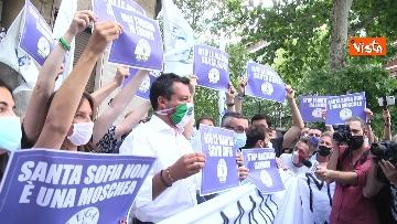 5 - Santa Sofia, Salvini al consolato turco di Milano. Le immagini del presidio