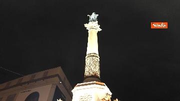 7 - La Colonna dell'Immacolata in tutto il suo splendore illuminata da Vittorio e Francesca Storaro