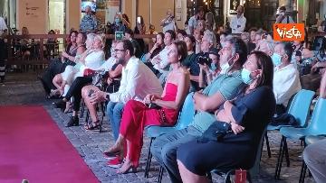 3 - Oliver Stone inaugura Passaggi Festival a Fano presentando la sua autobiagrafia 'Cercando la luce'