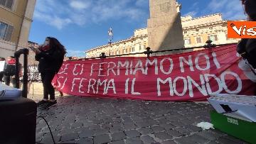 """7 - """"Non una di meno"""" in piazza Montecitorio per la Giornata mondiale contro la violenza sulle donne"""