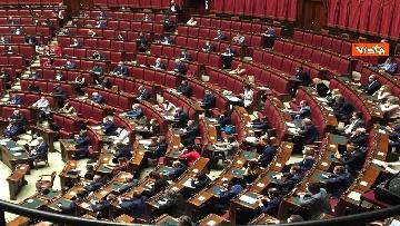 6 - Conte riferisce in Aula Camera su Consiglio Ue, immagini