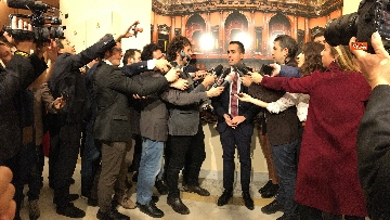 6 - Di Maio dichiara in sala stampa a Montecitorio